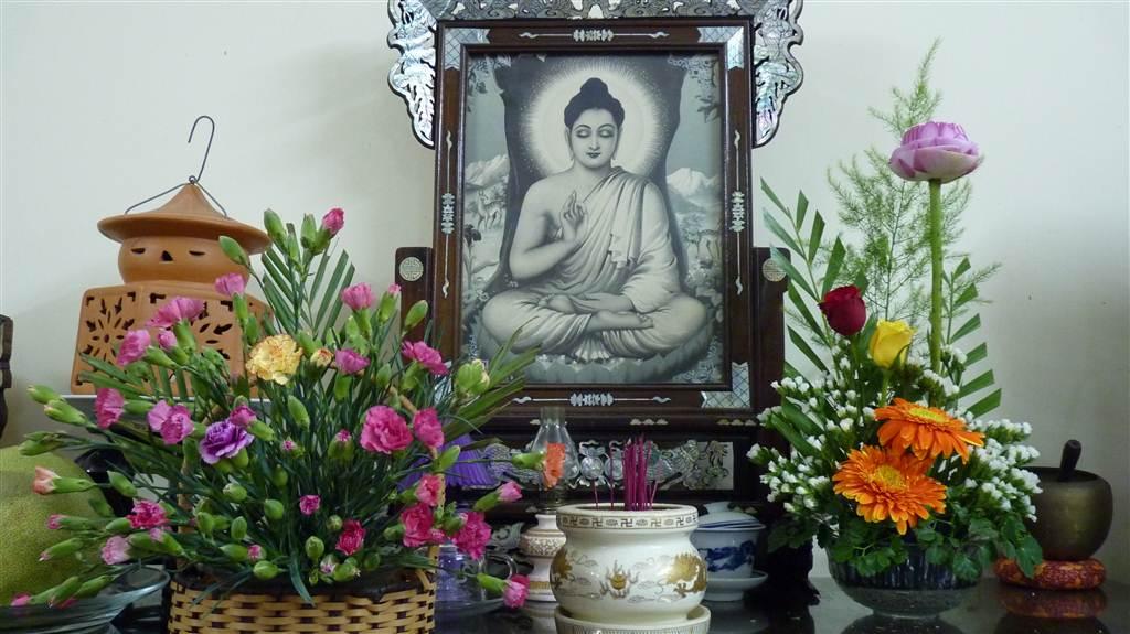 Cách đặt bàn thờ Phật Quan Âm bồ tát trong nhà hợp phong thủy 2