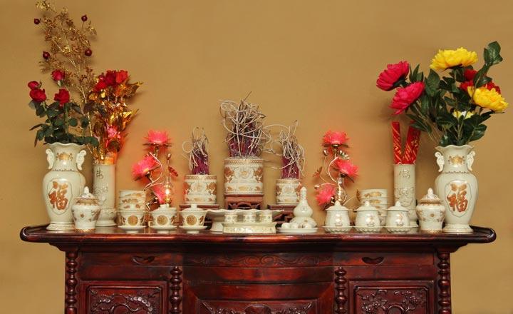 Hướng dẫn cách cắm hoa ở bàn thờ ĐÚNG nhất cho bạn 2