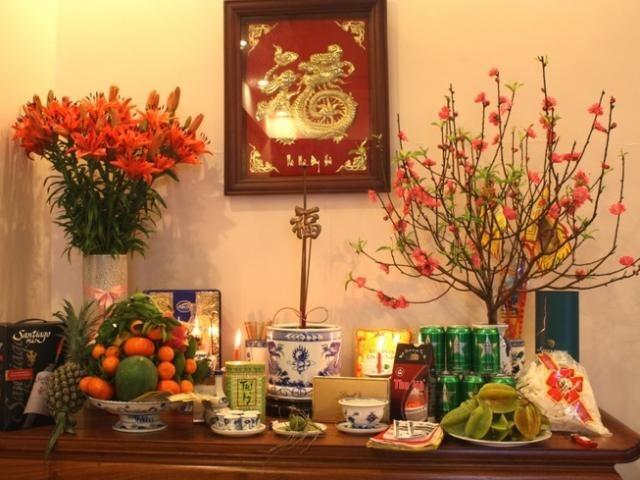 Cách cắm hoa bàn thờ tổ tiên ngày Tết để năm mới nhiều phúc lộc 1