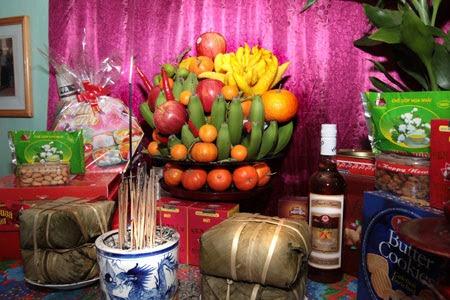Cách bày trí bàn thờ đẹp ngày tết hợp phong thủy mang nhiều may mắn 1