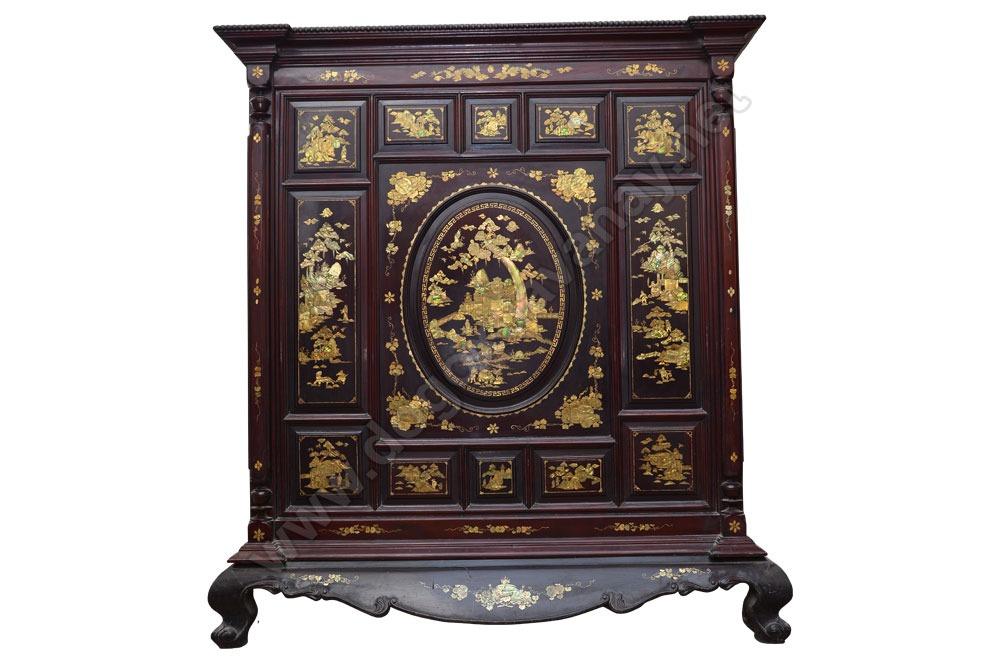 Mẫu tủ thờ ở Nghệ An được làm bằng gỗ gụ