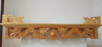 Mẫu bàn thờ treo tường đục rồng đẹp và hợp phong thủy
