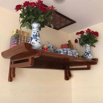 Mẫu bàn thờ treo tường dành cho chung cư mini