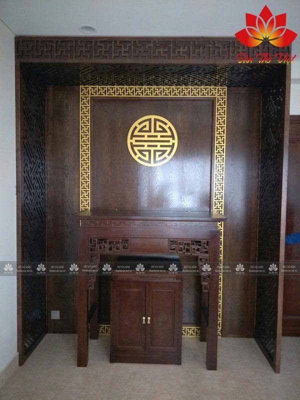 Tấm vách lưng bàn thờ hiện đại đẹp lung linh cho không gian thờ cũng