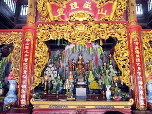Tìm hiểu phong tục thờ Mẫu (thờ tam phủ) của 3 miền Việt Nam - 290016
