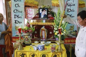 Phong tục thờ cúng người mới mất - Lễ cúng cơm hằng ngày