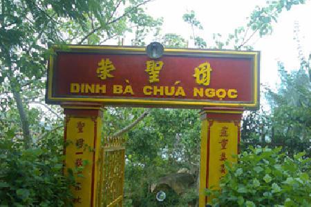 Cách thờ Bà Chúa Ngọc của người dân Việt Nam